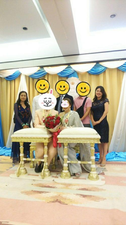 タイの結婚式 仲間と記念撮影