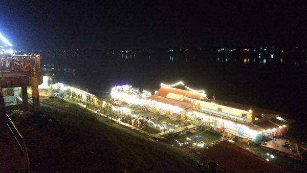 メコン川のライトアップ