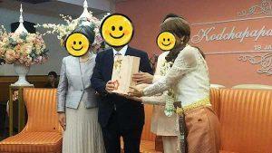 会社の社長様ご夫婦にも贈呈品を贈呈