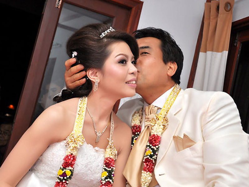 タイ人女性入会・登録料無料